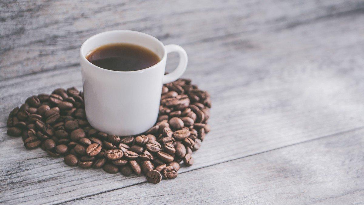 Morgenkaffe og fortælling i Oue konfirmandhus