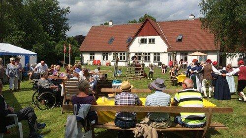 Grundlovsfest i Præstegårdshaven