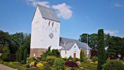 Højmesse med dåb i Hellevad Kirke