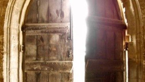 Church open for private prayer