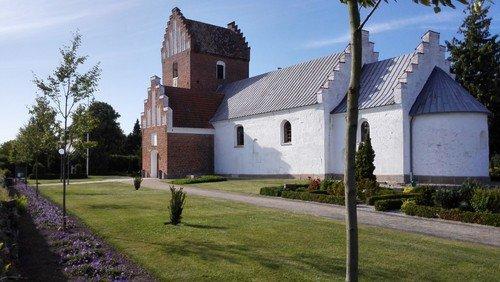 Gudstjeneste Auning Kirke - 1. s. e. trinitatis