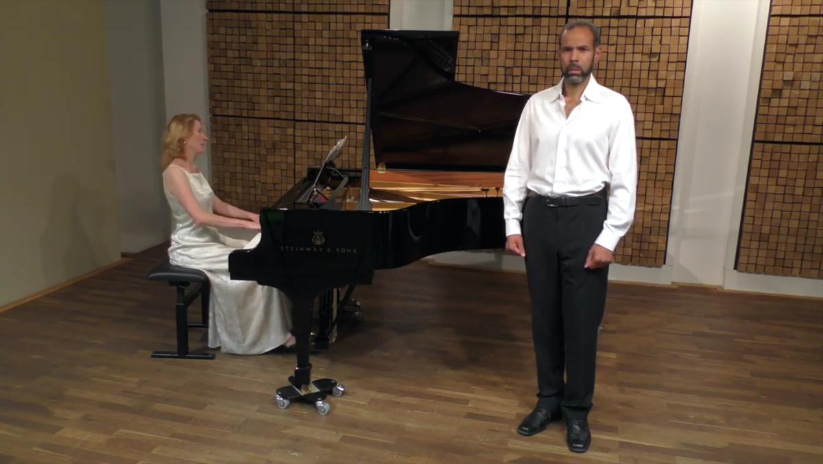 Sommernachtskonzert für Gesang und Klavier auf dem restaurierten Bechsteinflügel