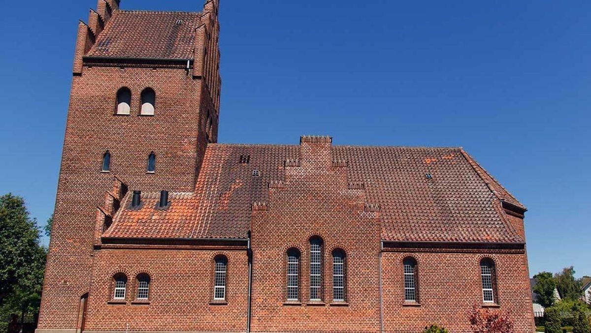 Højmesse med Dåb  Rørdal kirke