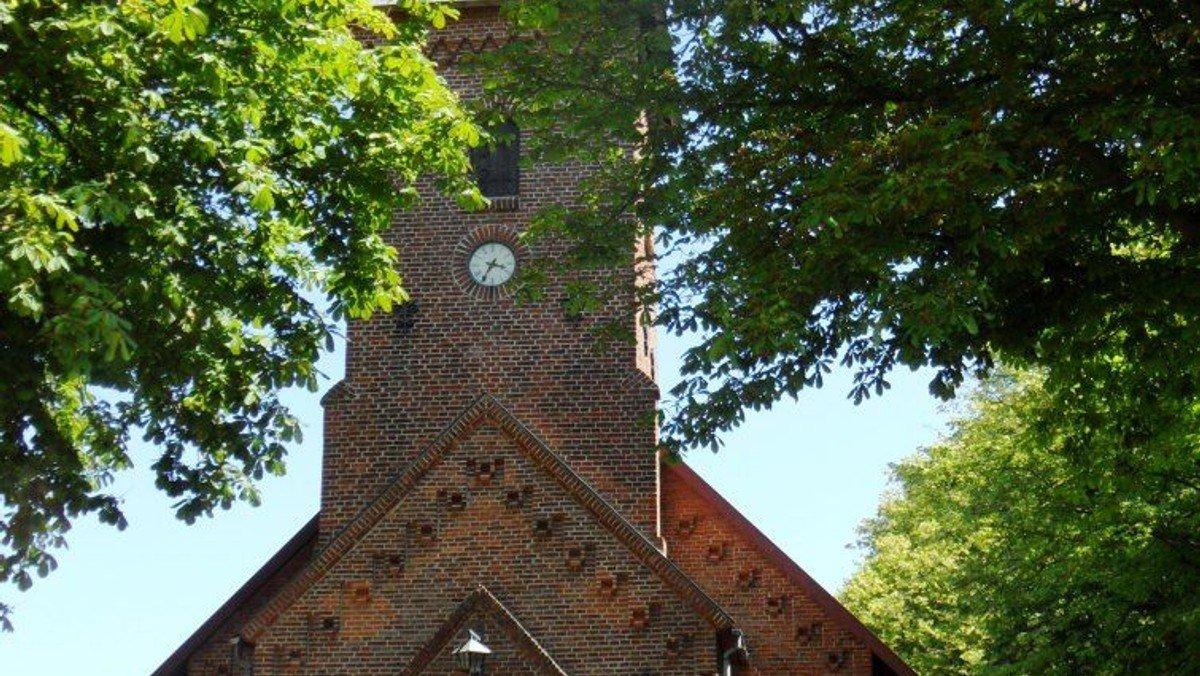 Gudstjeneste og kirkevandring