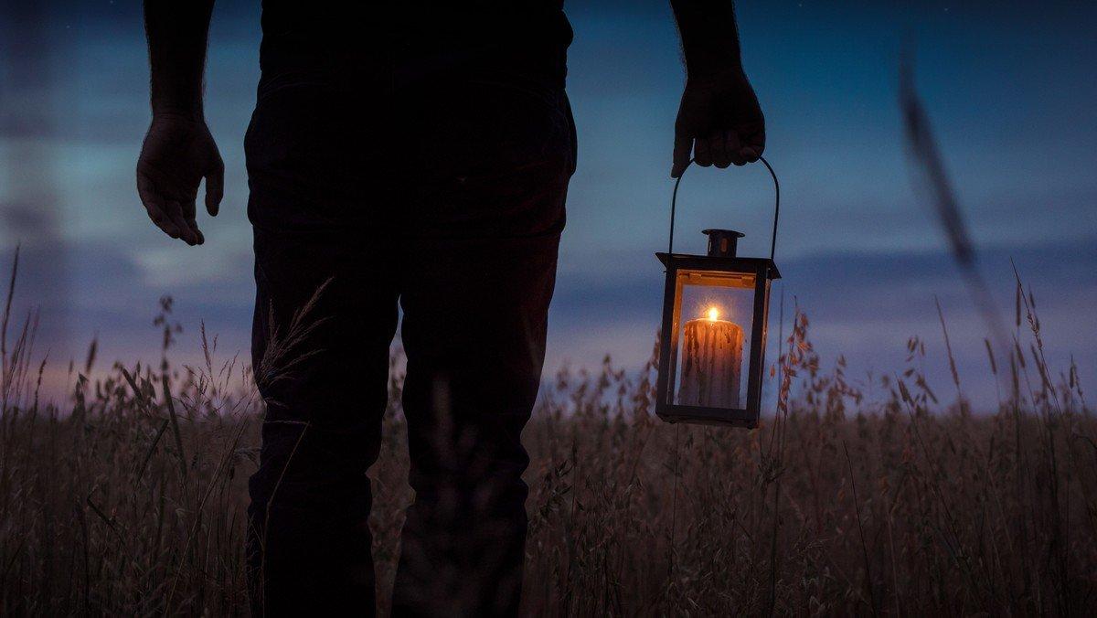 Lanterneaften med gudstjeneste i Husumvold Kirke
