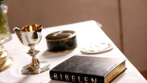 Højmesse i Marslev Kirke med dåb