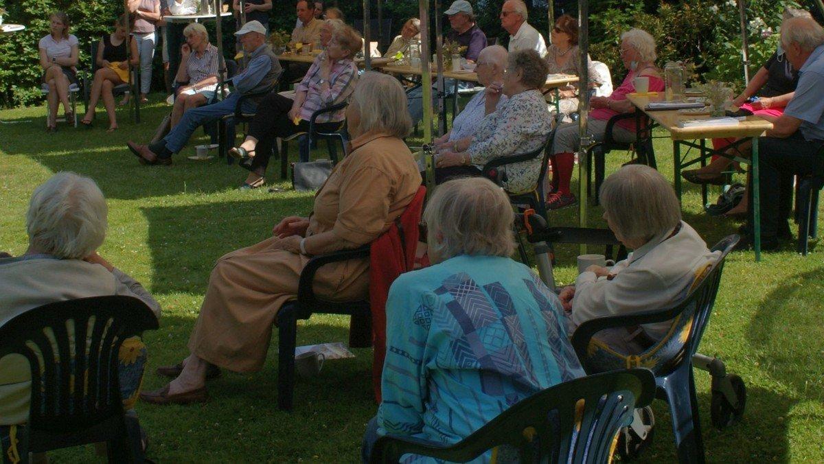 Gemeindenachmittag im Garten