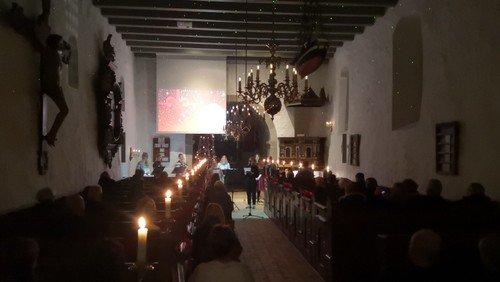 Julekoncert med Hellevad-Ørum Kirkekor i Hellevad Kirke