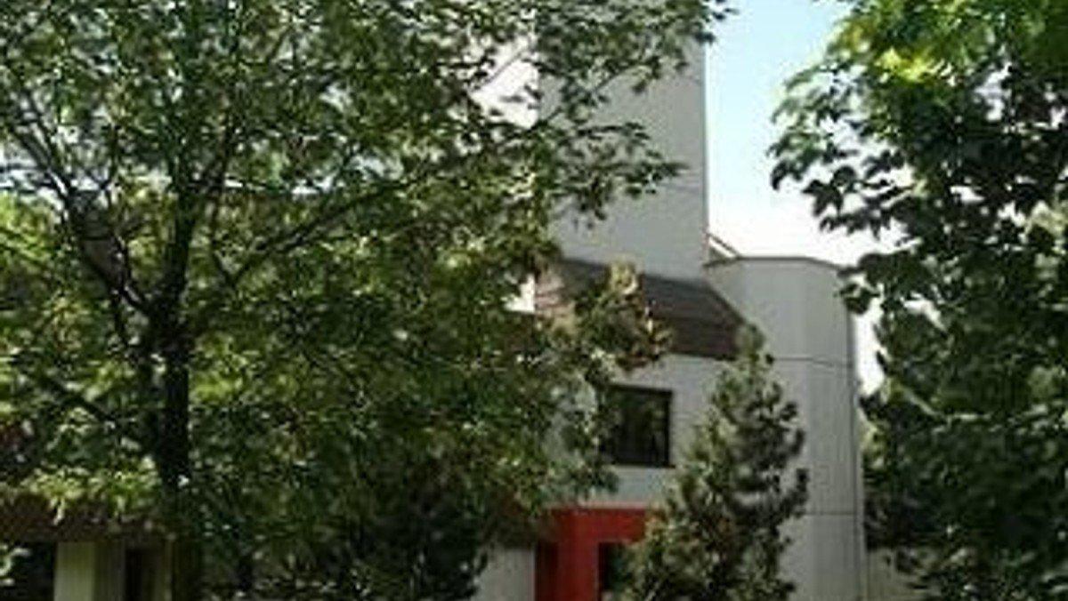 Freiluftgottesdienst zu Pfingsten vor der Friedenskirche Südseite