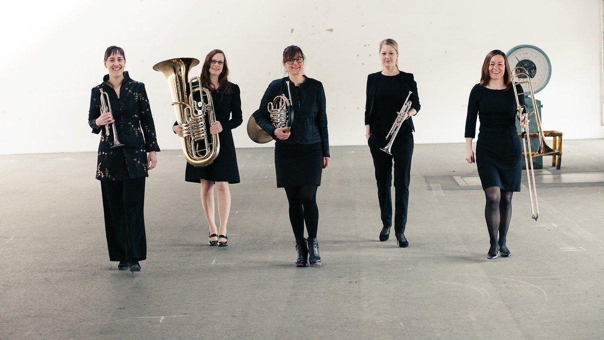 "Koncert med ""5ininum Brass"""