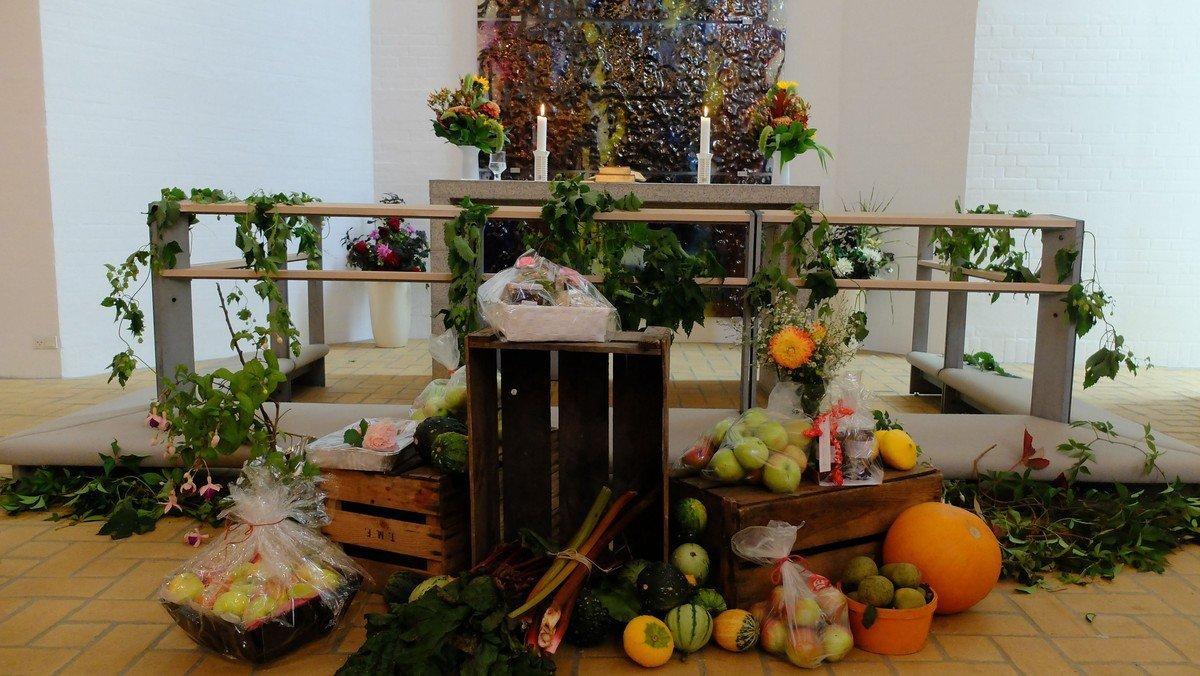 Høstgudstjeneste og kirkefrokost