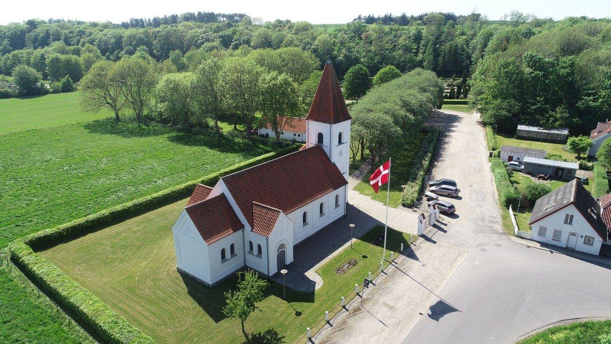 Gudstjeneste kl. 09.00 i Gudumholm Kirke