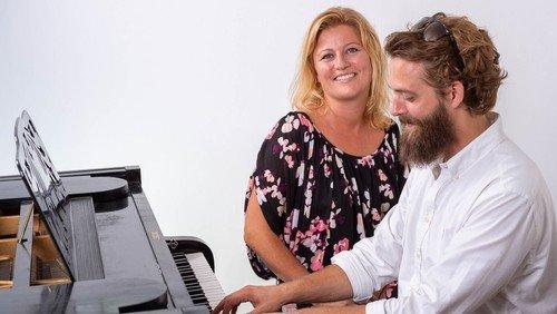 Musikalsk sommer · Syng med på danske kendte popsange