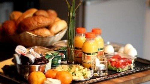 Von Fast Fashion zu Slow Fashion?! Frauenfrühstück im Paul-Gerhardt-Gemeindehaus