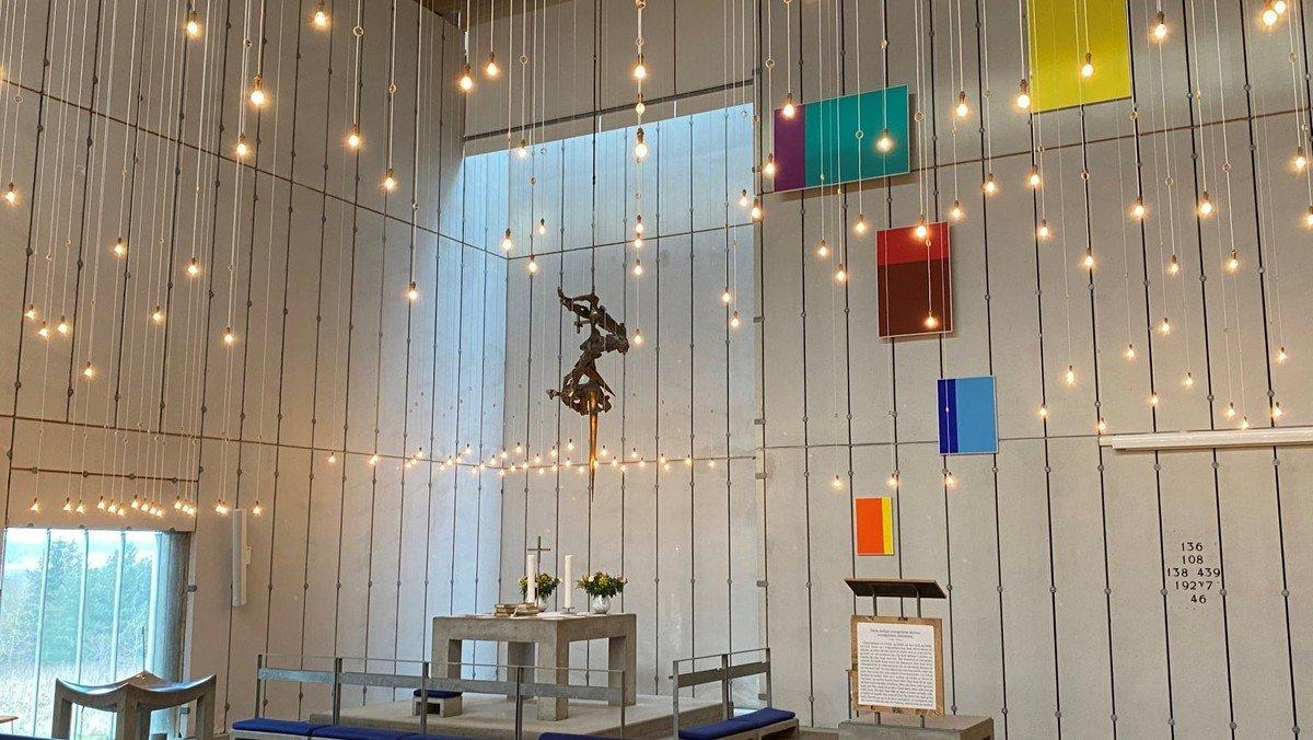 Gudstjeneste med dåb i Gug Kirke v. Aksel L. Toft