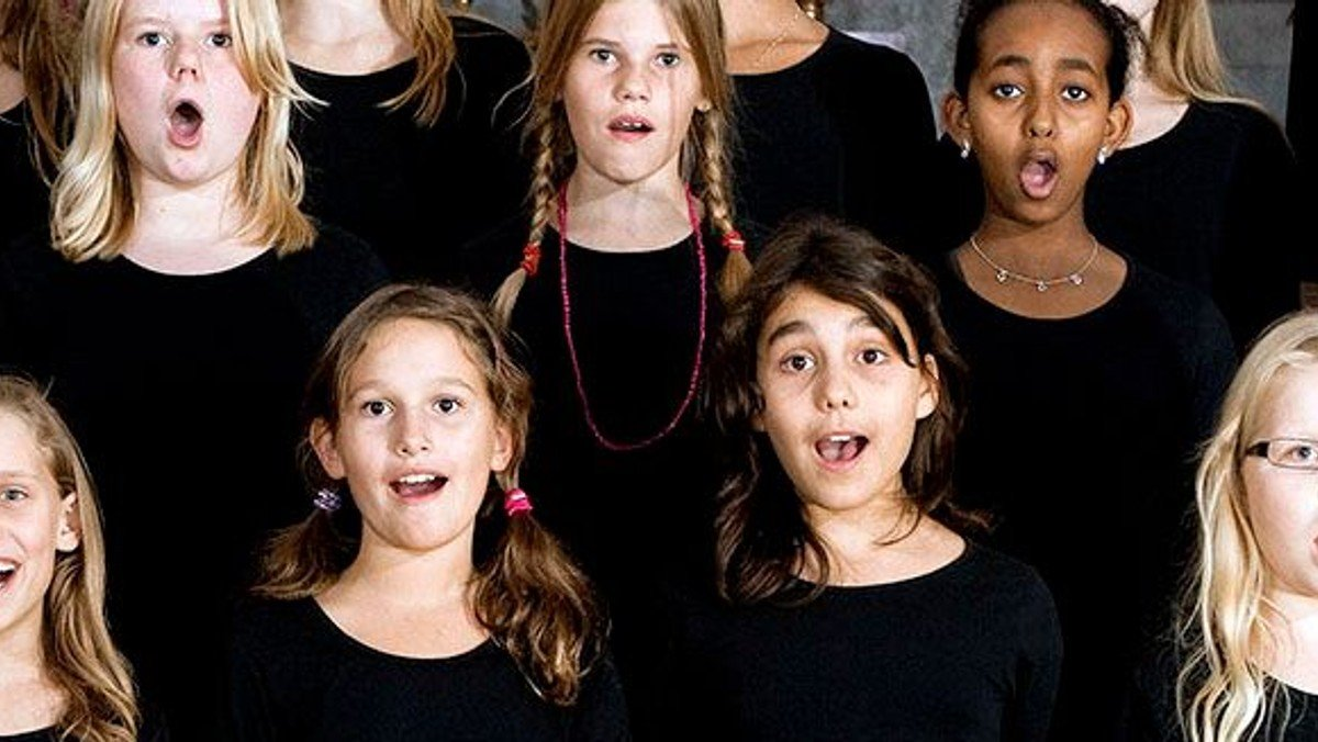 Musikgudstjeneste og aftensmad - med Ungdomskoret