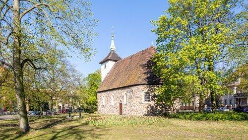 Gottesdienst im Pfarrgarten Alt-Reinickendorf