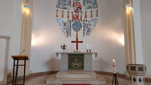 Advent: Gottesdienst mit Konfi-Taufe