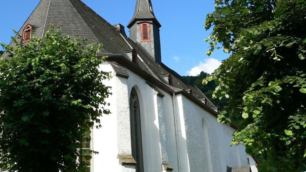 Gottesdienst mit Taufe und anschl. Kirchencafe