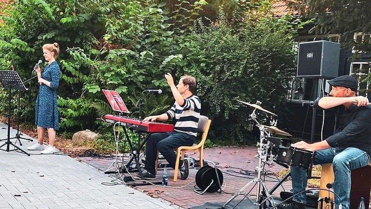 """Sommerkonzert im Innenhof - """"Monatslieder"""""""