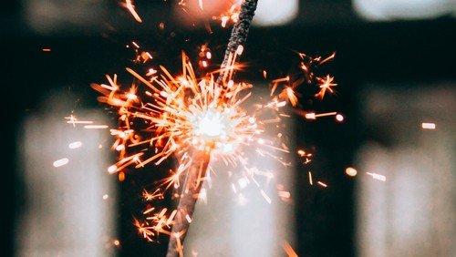 Nytårsgudstjeneste - med champagne og kransekage