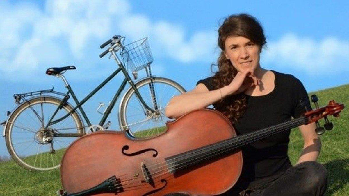 Kilden. Cyklende cellist