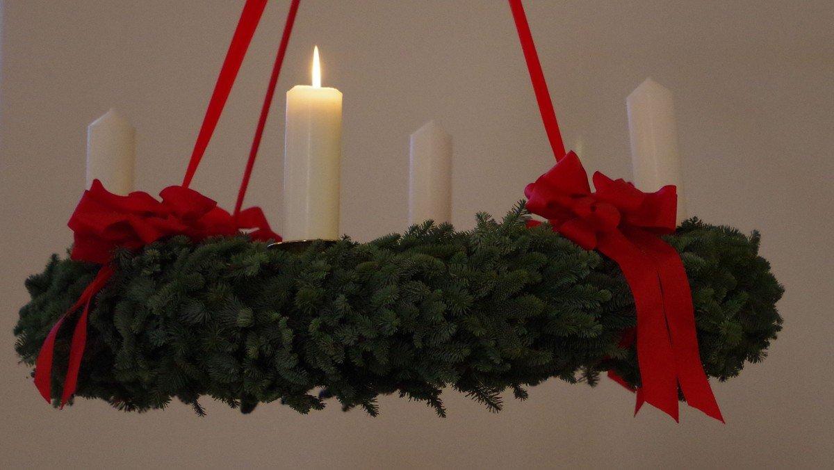Gudstjeneste 1. søndag i advent i Humlebæk Kirke (dialog prædiken)