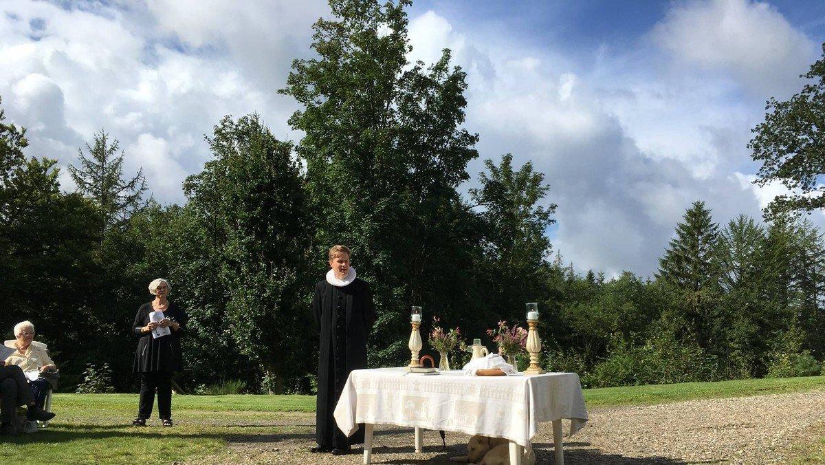 Friluftsgudstjeneste i Katrinedal - Fløjlshøj