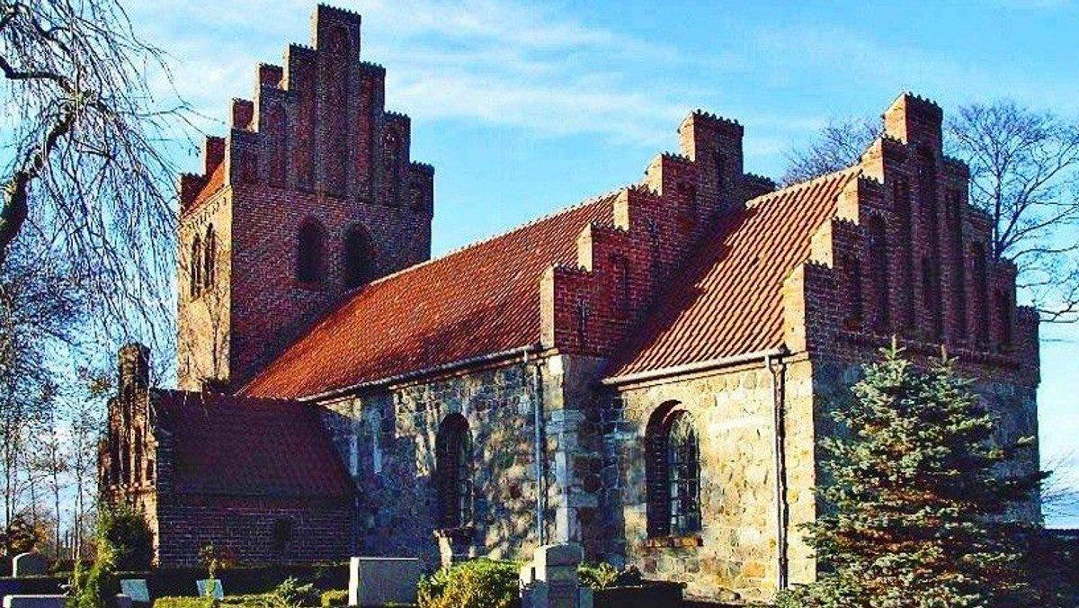 Gudstjeneste & dåb Snostrup Kirke