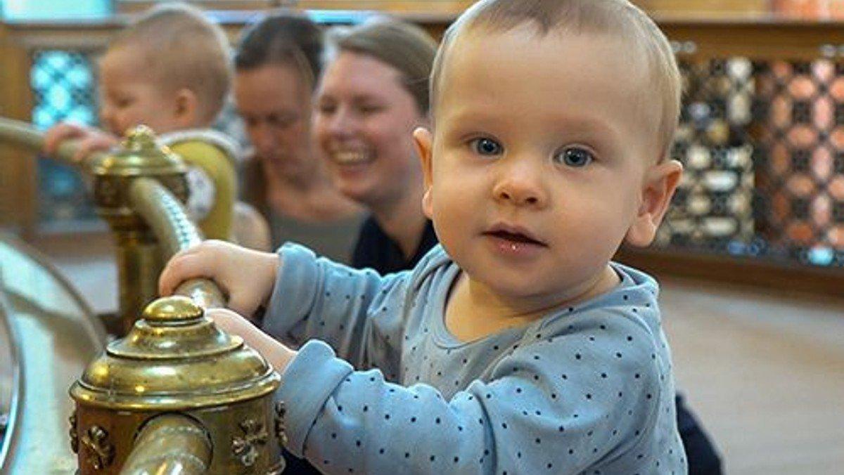 Babysalmesang kl. 12.30 (2-7 måneder, husk tilmelding)
