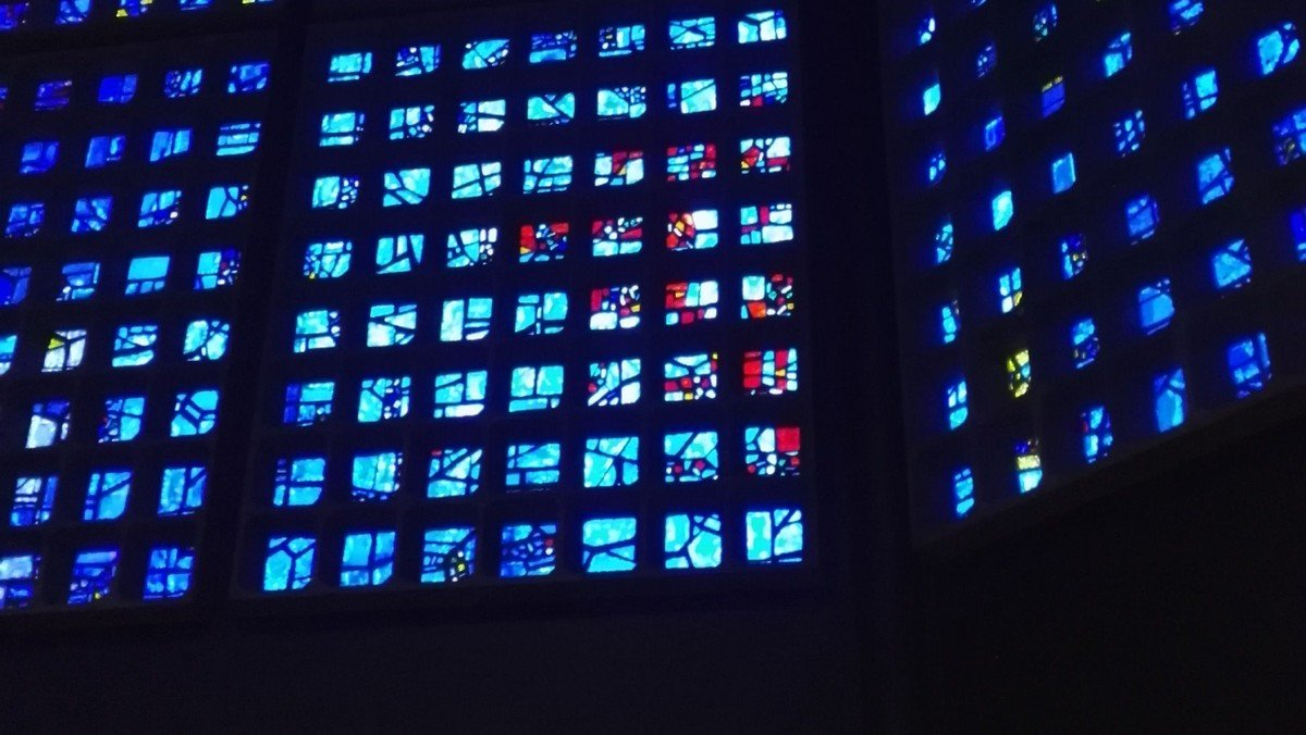 Lange Nacht des Blau - Licht, Wort und Klang in der Gedächtniskirche