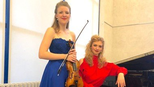 Koncert m.  Amalie Elmark og Elisabeth Nielsen