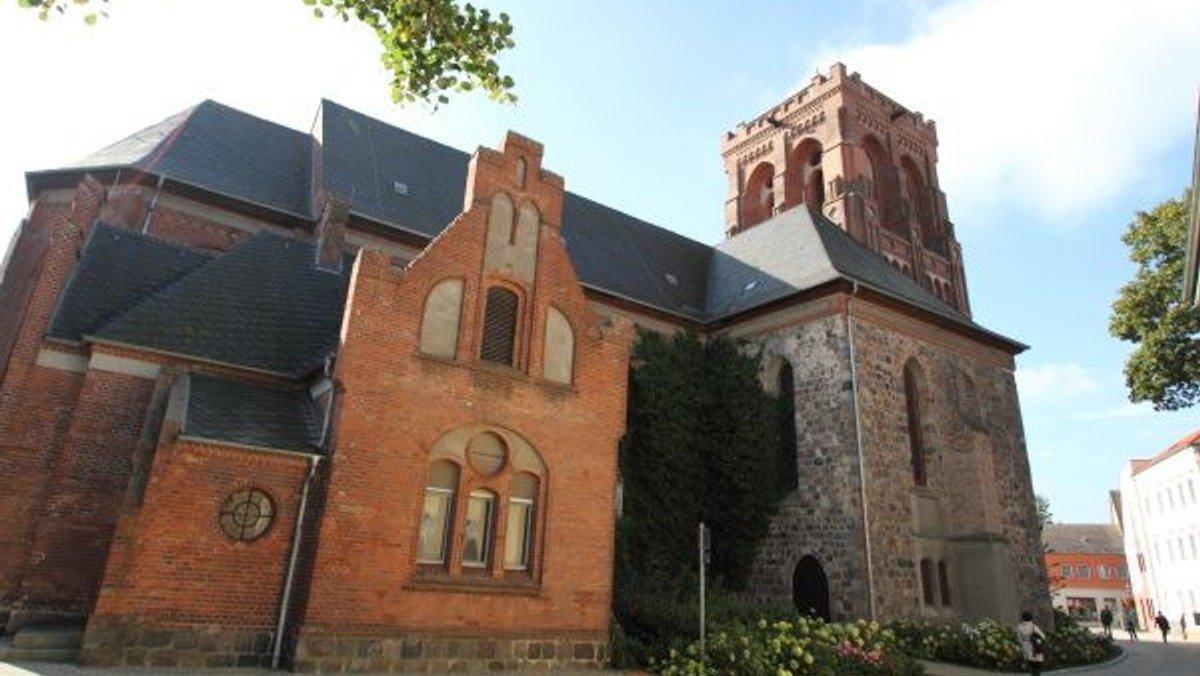 Gottesdienst in Schwedt mit Taufen