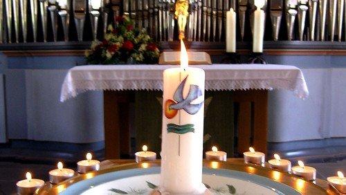 Tauferinnerung, Einführung neuer Konfirmanden*innen, Taufe
