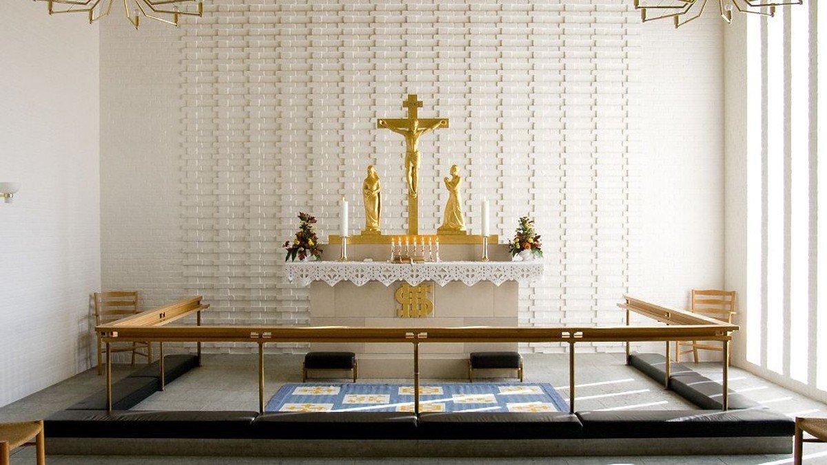 Gudstjeneste (Alle Helgen - begge præster deltager)