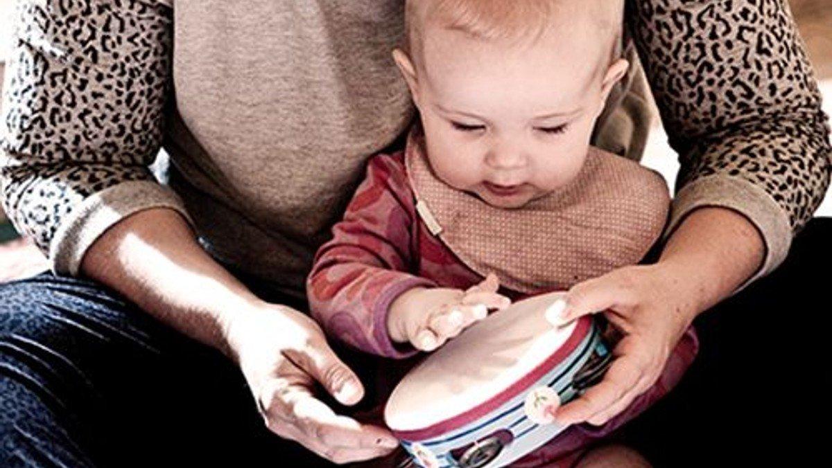 Babysalmesang kl. 12:30 (2-7 måneder, husk tilmelding)