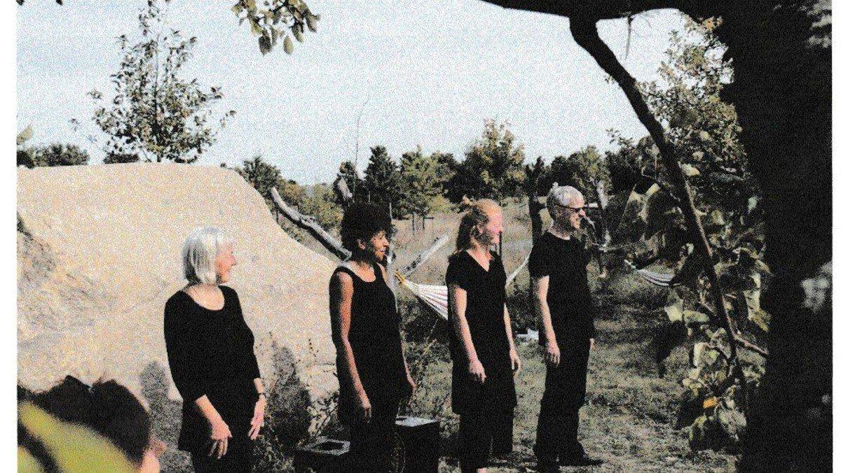 Playback-Theater (zum Tag des Friedhofs)