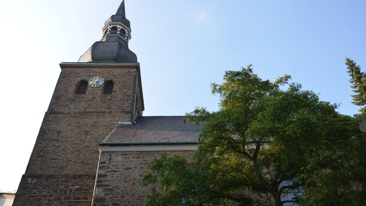 Präsentischer Gottesdienst aus der Stadtkirche  mit Live-Übertragung