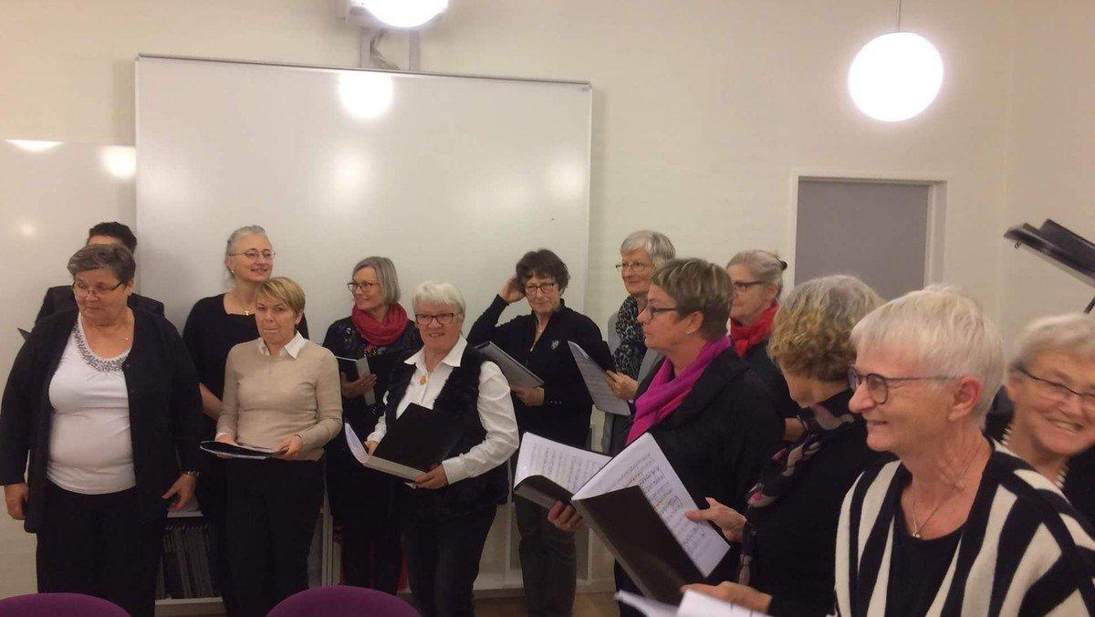 Julekoret synger dansk