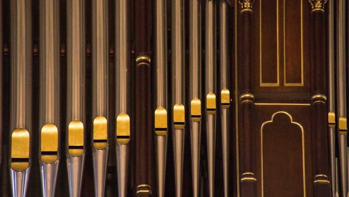 Kurzkonzerte im Rahmen der Orgeltour entlang der U7 (Kopie)