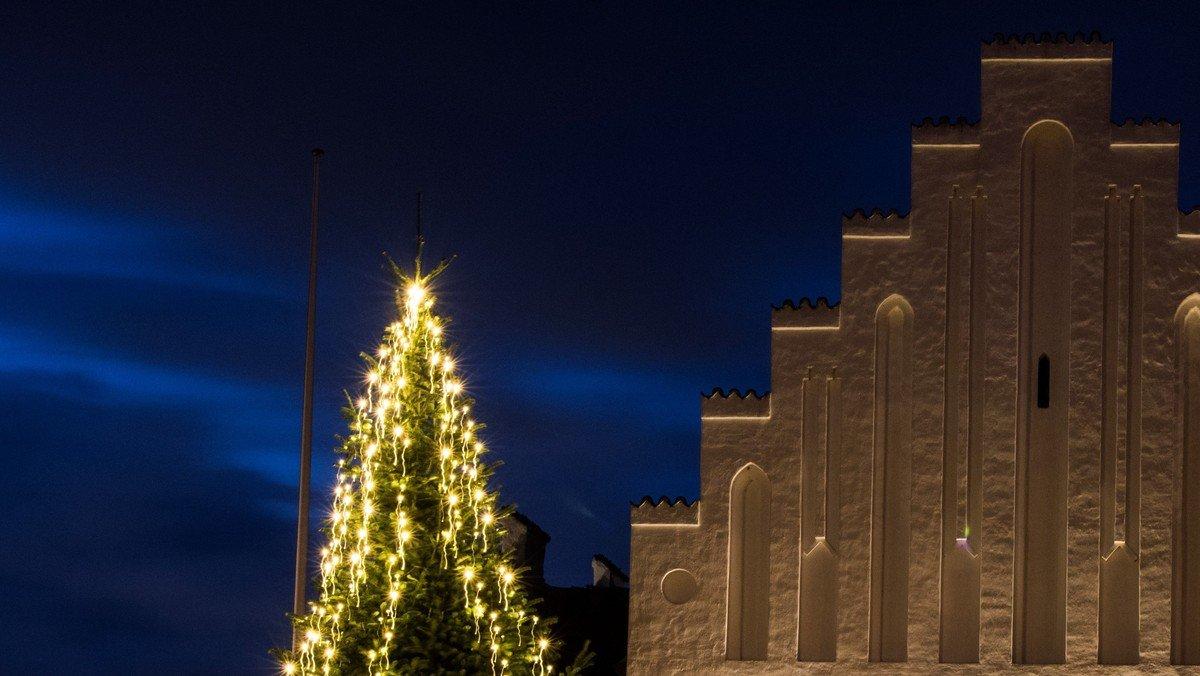Syng Julen Ind med Viborgkoret og Houlkær Kirkes Pige- og Voksenkor
