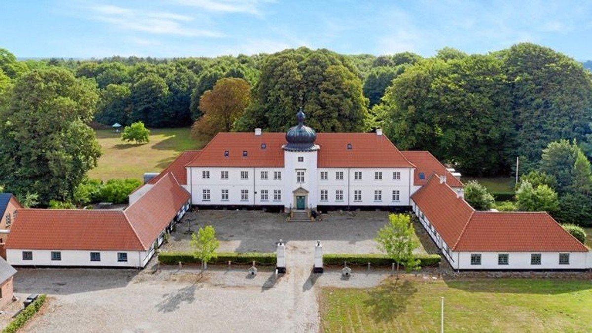 Ikke flere pladser - Besøg på Langholt Hovedgård