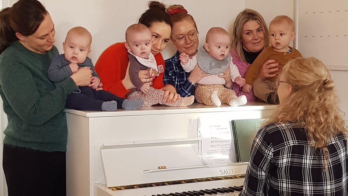 Babysalmesang - hold 1