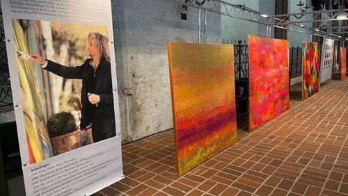 Benefiz-Ausstellung »Mitgefühl / Mit Gefühl«: Malerei von Noah Wunsch und Andranik Baghdasaryan, Fotographie von Azim Fakhri und Benedict D'Costa, Musik, Theater.