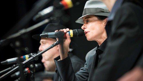 Theatralisch-musikalischer Abend mit Songs von Leonard Cohen, Patti Smith, Bruce Springsteen u.a. sowie Werken auf der klassischen Gitarre - im Rahmen der Benefiz-Kulturwoche »Mitgefühl / Mit Gefühl«