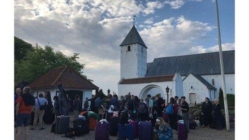 Allehelgensgudstjeneste med kirkekor og kirkekaffe