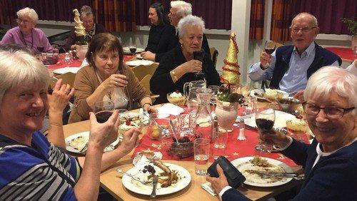 Spisefællesskab i Cafe Ask