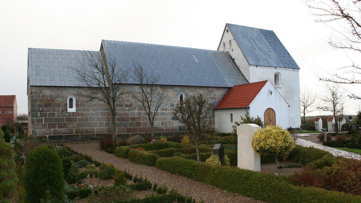 Gudstjeneste i  Vust Kirke