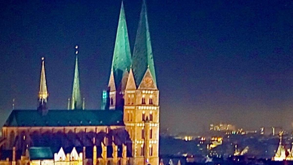 Erlebnis-Nacht! Die Kirche im Dämmerlicht. Turm- und Gewölbeführungen: denn jeder Dachboden ist geheimnisvoll...