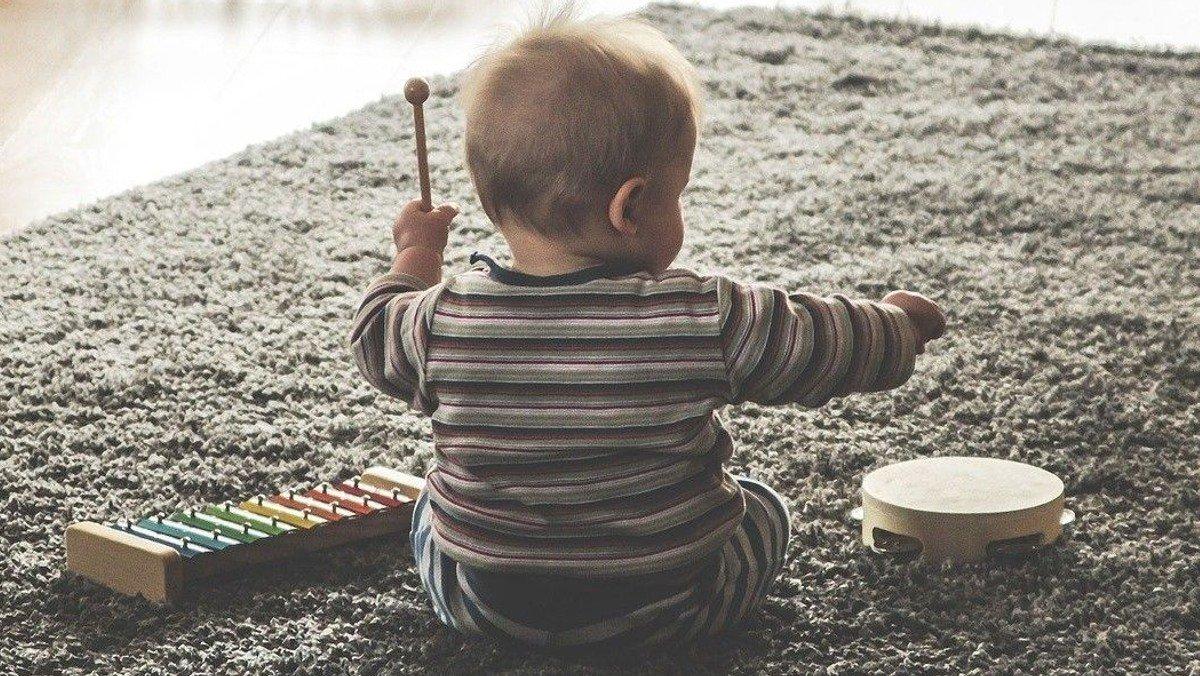 Drop in Babysalmesang for kravlebørn